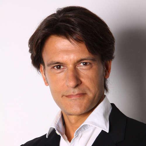 Óscar Fernández Orellana